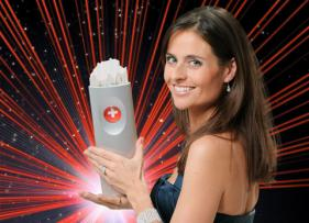 Sandra Studer mit dem Swiss Music Awards Pokal