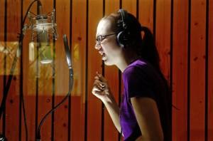 Stefanie Heinzmann arbeitet im Tonstudio an ihrem neuen Album