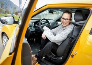 Stefanie Heinzmann beim Fahrtraining
