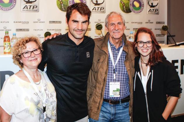 Stefanie Heinzmann mit Roger Federer