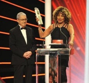"""Tina Turner gewinnt den SwissAward 2010 in der Kategorie """"Show"""""""